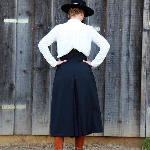 Spanischer Hosen-Reitrock bei Picadera