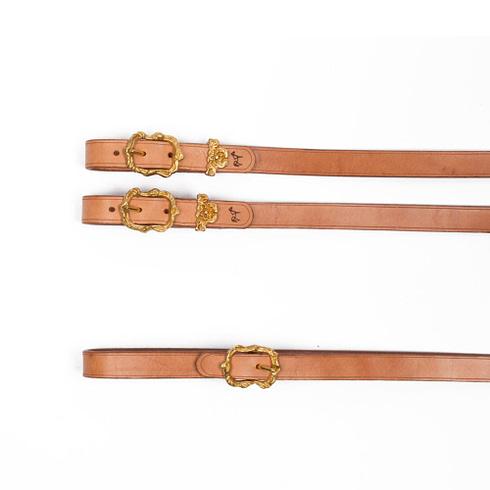 Zügel im barocken Stil aus Naturleder mit goldenen Cortesia Schnallen bei Picadera